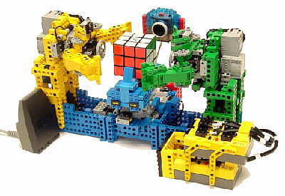 Picture of the LEGO CubeSolver Bot © JP Brown